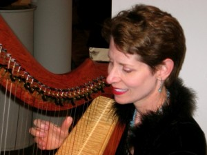 Anne Roos with harp